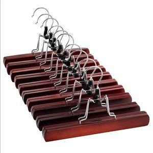 Set of 10 pant hangers